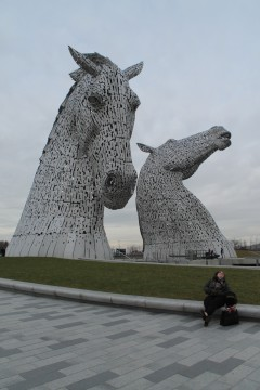 A Falkirk Wheel &      Kelpies tour.