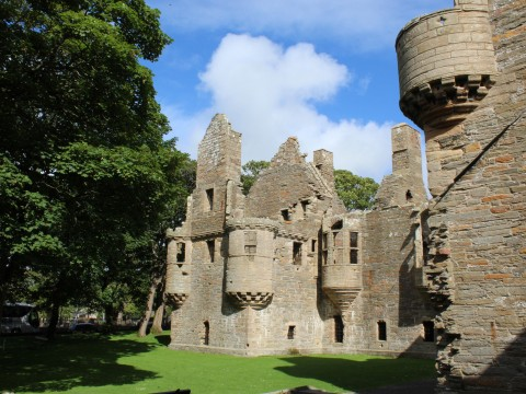 Town Walk, Cathedral and Palaces Tour