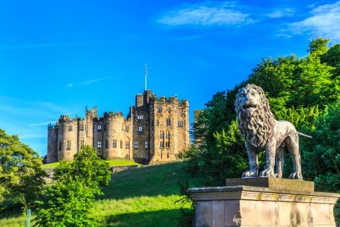 Alnwick Castle, the Northumberland Coast & the Borders