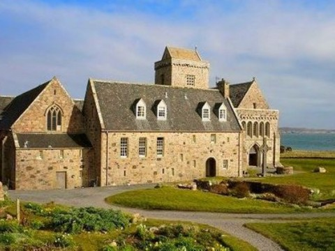 ISLES OF IONA ABBEY TWO DAY TOUR