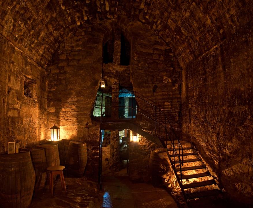 The Town Below the Ground: Edinburghs Legendary Undgerground City