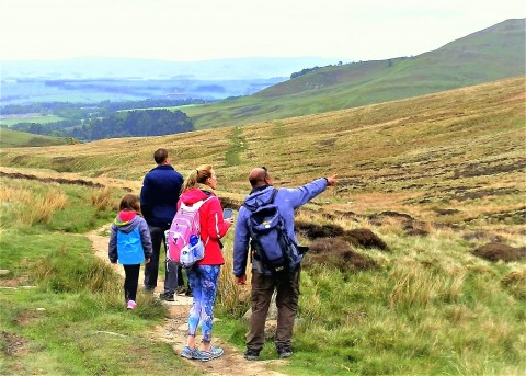 HILL & NATURE WALK ~ DISCOVER REAL EDINBURGH WITH A LOC...