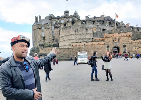 EXPLORE ROYAL MILE-OLD TOWN, LOST HISTORIES & ENJOY IND...